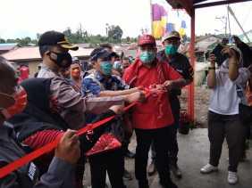 Anggota DPR - RI Resmikan Posko Kuta Paguh Covid 19 di Desa Kutarayat