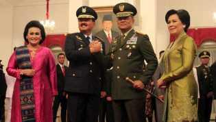 Sertijab Panglima TNI, Gatot Nurmantyo Menyerahkan Tongkat Komando keHadi Tjahjanto