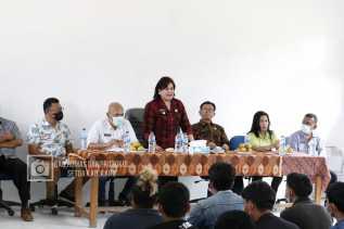 Bupati Karo Cory Sebayang : Disdik Akan Tambah Lokal Untuk Sekolah Di SMP 2 Lau Baleng