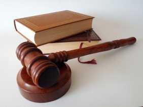 Mahkamah Konstitusi Tolak Permohonan Uji Undang - undang Ketenagakerjaan