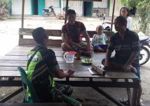 Rutinitas Komsos, Ini Kegiatan Babinsa di Desa Lau Baleng dengan Rakyat