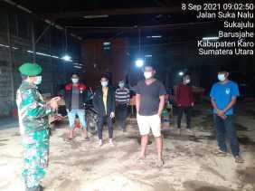 Patroli Wilayah Babinsa Koramil 01/BJ Himbau Warga Patuhi Prokes Covid 19