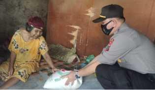Polsek Mardingding Bersama PAC LAMI Mardingding Beri Sembako Untuk Lansia