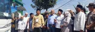 Bupati Karo Berangkatkan 58 Jamaah Calon Haji