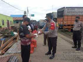 Bencana Angin Puting Beliung Menimpa, Polres Tanah Karo Berikan Bantuan Kepada Korban