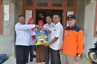 Banjir, Pemkab Kampar bersama PMI Beri Bantuan ke Warga Sungai Paku