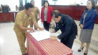 Pemkab Karo bersama DPRD Setujui Ranperda P-APBD 2017