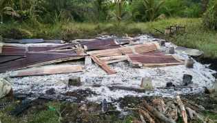Pergi Nonton ke Rumah Keluarga, Zulkifli Dapat Kabar Rumahnya Ludes Terbakar
