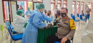 Personil Polres Tanah Karo Di Vaksinasi Covid-19 Tahap Pertama