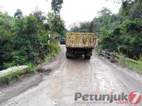 Penghubung 4 Kecamatan, Dinas PUPR Karo Akan Perbaiki Railing Jembatan Tiga Pancur
