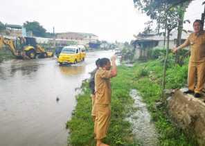Bupati Karo Tinjau Lokasi Banjir di Berastagi
