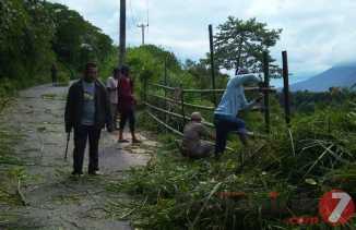 Sekilas Cerita Warga Soal Desanya yang Rawan Bencana Longsor di Ujung Teran