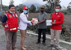 PMI Sumut -  MPC PP Karo Bagikan Masker Kepada Warga di Desa Deram dan Ujungtran