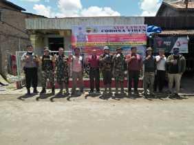 Satgas TMMD Kodim 0205/TK Juga Ikut Bantu Penyemprotan Disinfektan Cegah Covid 19 di Desa Kacaribu