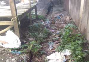 Soal Sampah Berserakan di Pasar Tradisional Tiganderket, Kades: Tanyakan ke PD Pasar
