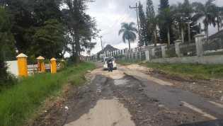Kondisi Terkini: Menelusuri Jalan Rusak di Kabanjahe - Kutabuluh Simole dan...