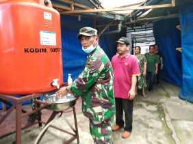Cegah Penyebaran Covid 19, Kodim 0205/TK Pasang Sarana Cuci Tangan  di Area Publik (Kabanjahe)