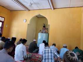 Giat Jumat ke Mesjid Nurul Ikhlas, Ini yang Disampaikan Bhabinkamtibmas Bangko Kanan