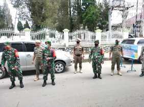 TNI - Polri di Karo: Razia dan Sosialisai Tentang Covid- 19 dan Imbau Pakai Masker