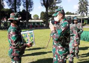 Anggota dan PNS Kodim 0205/TK Diberikan Bingkisan Lebaran, Dandim: Bentuk Perhatian Pimpinan