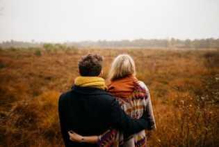 Pasangan Jarak Jauh, Ini 7 Tanda yang Memang Layak Kamu Tunggu