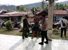 Babinsa Koramil 09/LB Pantau Pemilihan BPD di Wilayah Binaannya
