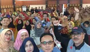 Di LPMP Riau: Nonton Film dan Pagelaran Seni Warnai Semarak Peringatan Hardiknas 2018
