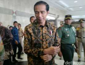 Jokowi Minta Wiranto Tangani Gerakan yang Ganggu Keamanan