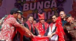 Gubernur Sumut Resmi Buka Festival Bunga dan Buah Karo 2019