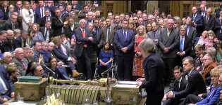 PM Inggris Theresa May Hadapi Mosi Kepercayaan di Parlemen