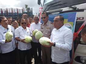 Bupati Karo dan Gubsu 'Lepas' Ekspor Sayur Kubis ke Malaysia