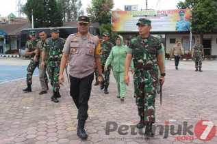 Pangdam I/BB Didampingi Danrem 023/KS dan Dandim 0205/TK Kunjungi Polres Karo