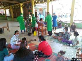 Babinsa Koramil 08/TB Pantau Kegiatan Vaksinasi Di Wilayah Kecamatan Tigabinanga