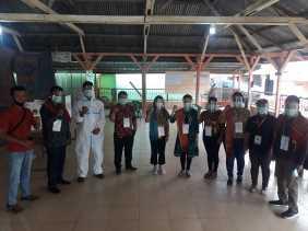 Petunjuk KPU, Petugas KPPS Desa Semangat Terapkan Prokes Ketat ke Pemilih Saat Pencoblosan di TPS