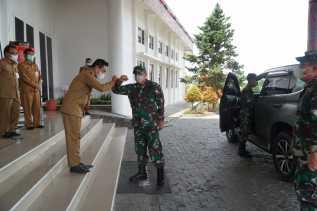 Silaturahmi ke Kantor Bupati Humbahas, Danrem 023/KS: Sinergitas TNI - Forkopimda