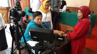 663 Warga Pekanbaru Rekam e-KTP di Layanan Keliling Disdukcapil