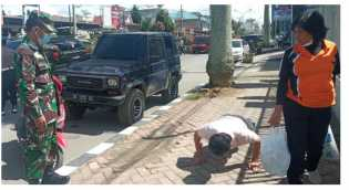 45 Orang Diberi Sanksi Nyanyi dan Push - up Saat Polres Karo - Kodim 0205/TK Operasi Yustisi Prokes
