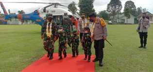 Mayjen TNI Hassanudin Dan Kapoldasu Cek Pelaksanaan Vaksinasi Di Dairi