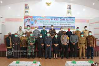 Unsur Forkupimda Kabupaten Karo bersama tokoh agama saat foto bersama. Foto: S.Surbakti.