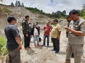 Laporan Masyarakat Air Sungai Lau Mbelin Keruh Akibat Galian C, Kadis LHK Karo: Belum Ada Sesuai SOP