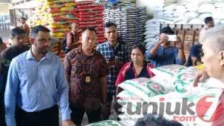 Sidak Pangan di Riau, Giant Ditegur Jual Daging Lemak Lebih