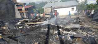 Tiga Rumah Kebakaran di Desa Kutambelin, Ada R2 dan Uang Hasil Penjualan Jeruk Ikut Terbakar