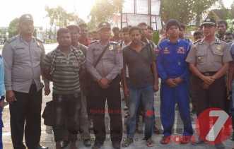 4 Hari tak Makan, 42 Orang  Imigran Banglades Diterlantarkan di  Rupat dan Diamankan Polisi