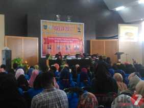 Seminar ISELLA di FKIP UIR Taja Mutu Pendidikan Lintas Tiga Negara