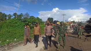 Setelah Usai Efakuasi Korban Di Laubawang , Dandim 0205/TK Langsung Pantau Banjir Lahar Dingin Sinab