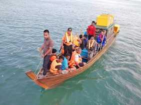 Dihantam Ombak Setinggi 4 Meter, Kapal Kargo Tenggelam di Laut Bintan