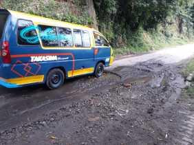 Butuh Perbaikan: Akses Jalan Ke Puncak Gundaling Rusak Parah