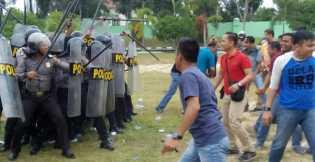 Polres Rohil Gelar Simulasi Pengamanan Unjuk Rasa di Pengandilan Negeri