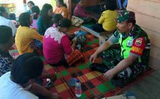 Komsos di Desa Sugihen, Babinsa Imbau Masyarakat Tidak Golput dan Datang ke TPS Beri Hak Suara