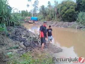 DLH Pelalawan Akan Investigasi Laporan Normalisasi Sungai Batang Napuh
